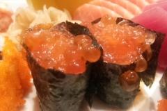 Sushi de ikura ( ovas de salmão)